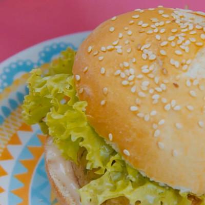 Tijuca 2a Temporada – Food Film Hambúrguer de Frango